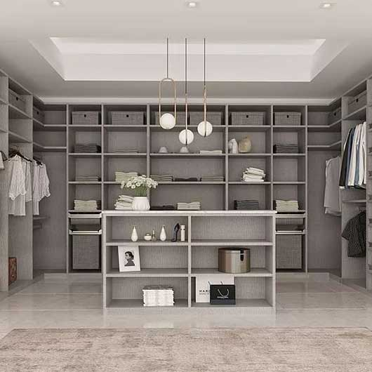 Beautiful walk-in Albi closet